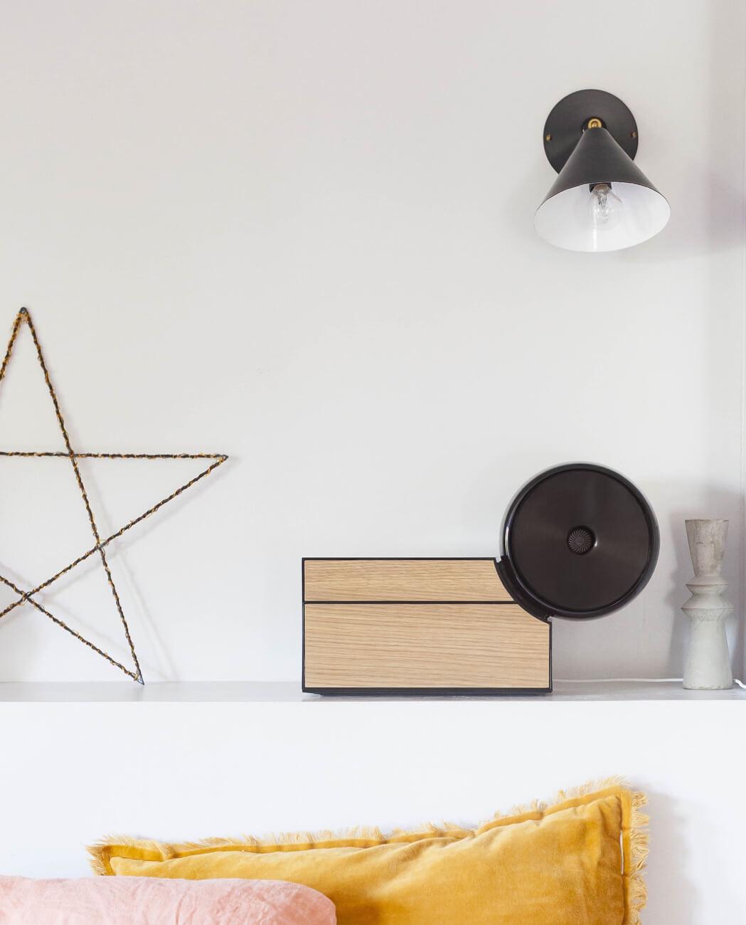 Compoz Compositeur noir bois naturel chene miel parfum ambiance bien être decoration interieur lifestyle objet connecte innovation production francaise