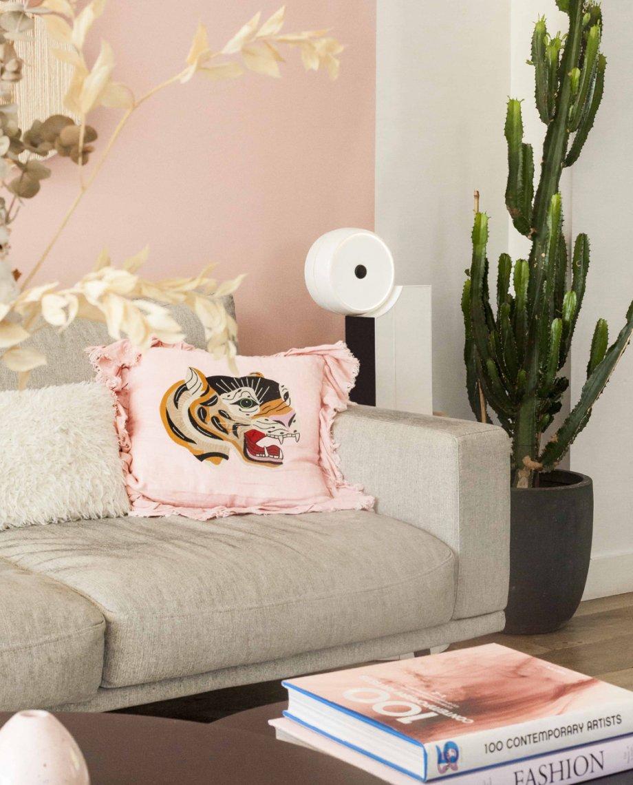 Compoz Compositeur blanc laque parfum ambiance personnalisation design objet connecte intelligent french tech