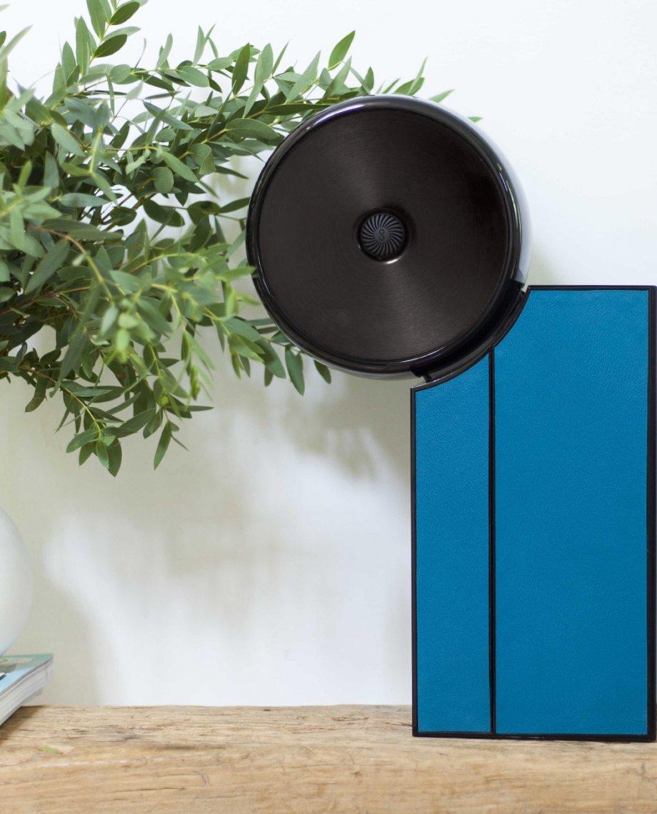 Compoz Compositeur cuir contemporain noir bleu parfum ambiance bien etre decoration interieur lifestyle