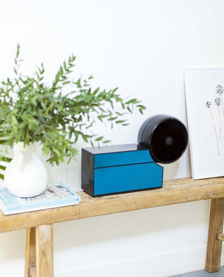 Compoz Compositeur cuir contemporain noir bleu parfum ambiance sur mesure diffusion saine respect air interieur aromatherapie bien etre