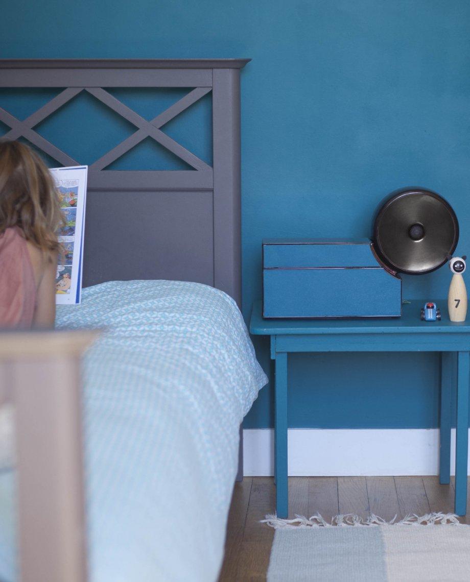 Compoz Compositeur cuir contemporain noir parfum parfumerie ambiance maison interieur diffusion saine respect air interieur personnalisation creation parfumeur