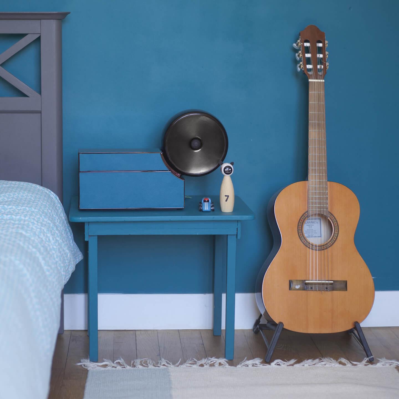 Compoz Compositeur cuir contemporain noir bleu parfum ambiance maison interieur lifestyle decoration wellness