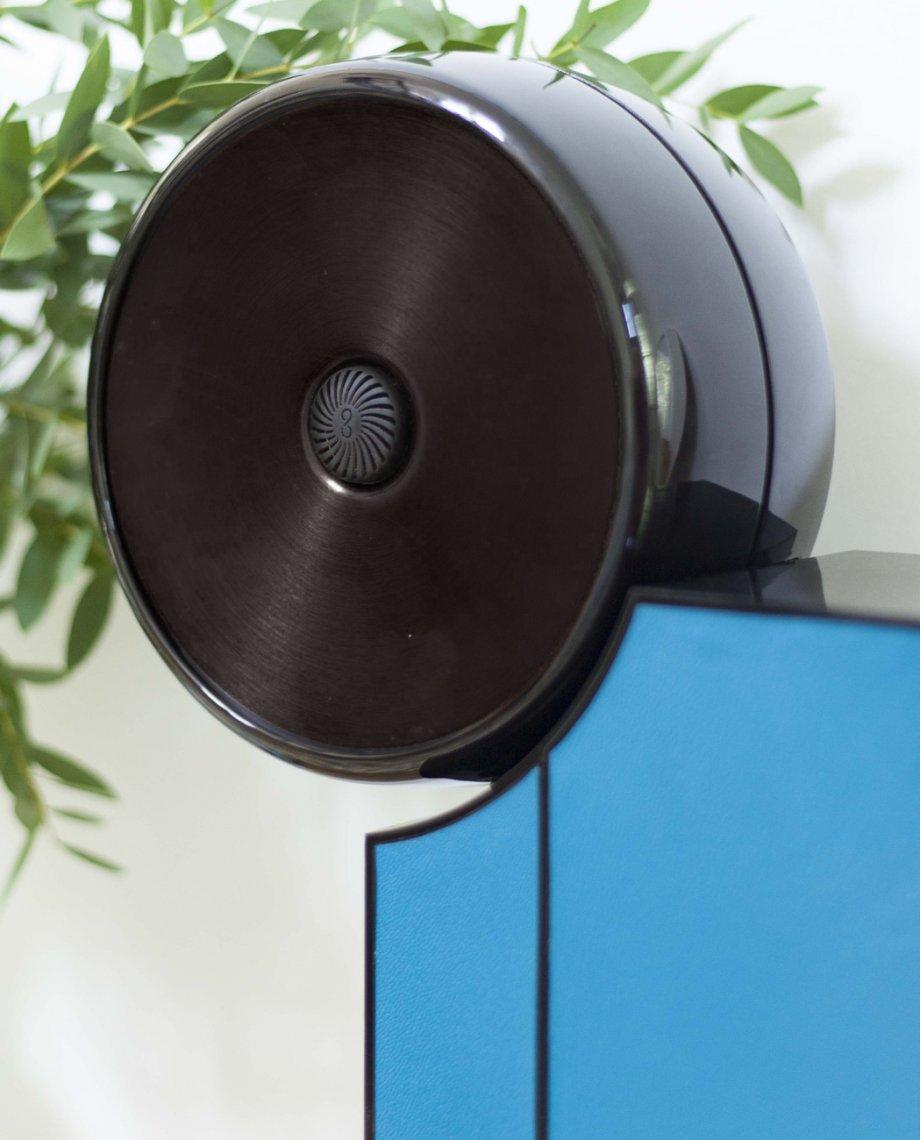 Compoz Compositeur cuir contemporain bleu noir parfum ambiance personnalisation design objet connecte intelligent