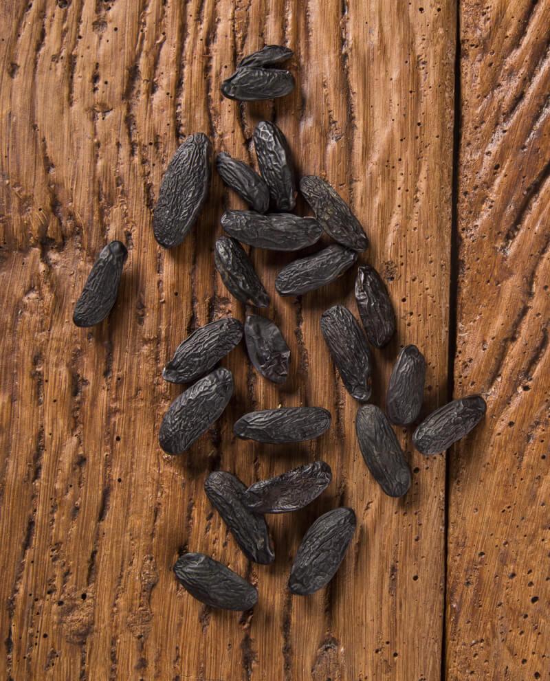 tonka beans essential oil